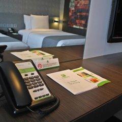 Отель Holiday Inn Bangkok Sukhumvit 4* Номер Премьер фото 5