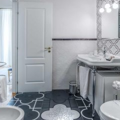 Отель Ingrami Suites 3* Стандартный номер с различными типами кроватей фото 9
