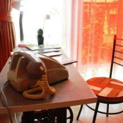 Silom Art Hostel Кровать в общем номере