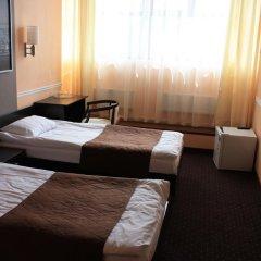 Гостиница Юджин 3* Улучшенный номер с 2 отдельными кроватями фото 3