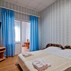 Гостиница Yuzhnaya Noch в Анапе отзывы, цены и фото номеров - забронировать гостиницу Yuzhnaya Noch онлайн Анапа комната для гостей фото 4