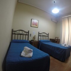 Отель Hostal El Pilar Стандартный номер с двуспальной кроватью фото 27