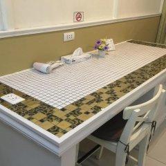 Отель Phuket Airport Suites & Lounge Bar - Club 96 Стандартный номер с двуспальной кроватью фото 11