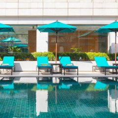 Отель Holiday Inn Bangkok бассейн