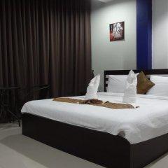 Отель But Different Phuket Guesthouse 3* Улучшенный номер с различными типами кроватей фото 11