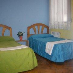 Отель Hostal Pacios Стандартный номер с различными типами кроватей фото 3
