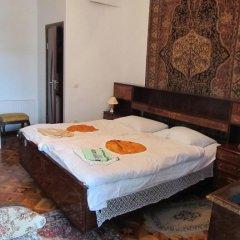 Отель Artush & Raisa B&B Армения, Гюмри - отзывы, цены и фото номеров - забронировать отель Artush & Raisa B&B онлайн комната для гостей фото 2