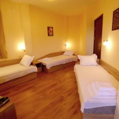 Отель Guest House Brezata - Betula Болгария, Ардино - отзывы, цены и фото номеров - забронировать отель Guest House Brezata - Betula онлайн комната для гостей фото 4