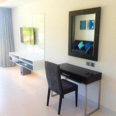 Отель Relax @ Twin Sands Resort and Spa удобства в номере фото 2