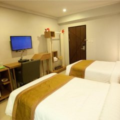 SF Biz Hotel 3* Номер Делюкс с различными типами кроватей фото 10