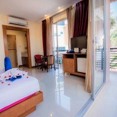 Отель Kata Blue Sea Resort балкон