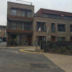 Отель House of MoLi - Shoreditch Square 2 парковка