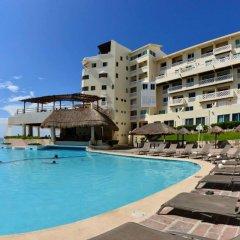 Отель BSEA Cancun Plaza Hotel Мексика, Канкун - отзывы, цены и фото номеров - забронировать отель BSEA Cancun Plaza Hotel онлайн бассейн