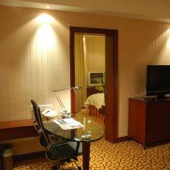 Отель Jianguo Hotel Shanghai Китай, Шанхай - отзывы, цены и фото номеров - забронировать отель Jianguo Hotel Shanghai онлайн удобства в номере фото 2