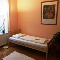 Отель Walking Bed Budapest Silver Market Hall Кровать в общем номере фото 4
