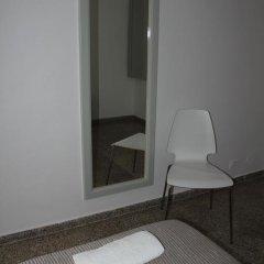 Отель Hostal Las Nieves Стандартный номер с различными типами кроватей (общая ванная комната) фото 42