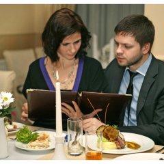Гостиница Гранд-отель Пилипец Украина, Поляна - отзывы, цены и фото номеров - забронировать гостиницу Гранд-отель Пилипец онлайн питание