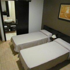 Отель Hostal Julian Brunete Брунете комната для гостей фото 2