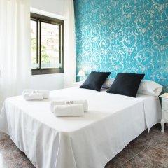 Отель Fira Guest House Номер Делюкс с различными типами кроватей