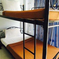 Отель Dd Guesthouse & Backpacker Кровать в общем номере фото 8