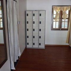 WEStay at the Grand Nyaung Shwe Hotel 3* Кровать в общем номере с двухъярусной кроватью фото 4
