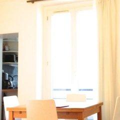 Отель Cosy and Romantic Франция, Париж - отзывы, цены и фото номеров - забронировать отель Cosy and Romantic онлайн комната для гостей фото 2