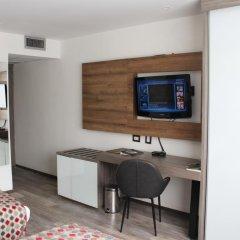 Porton Medellin Hotel 4* Номер категории Эконом с двуспальной кроватью фото 5