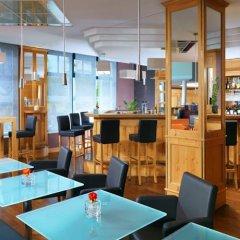 Отель Sheraton Airport гостиничный бар