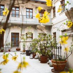 Hotel U Zlateho Jelena (Golden Deer)