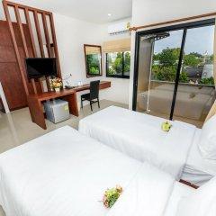 Отель The Topaz Residence 3* Номер Делюкс разные типы кроватей фото 2
