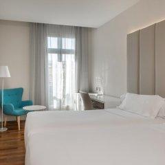 Отель NH Nacional 4* Стандартный номер с двуспальной кроватью