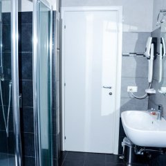 Отель Salotto Piramide B&B Стандартный номер с двуспальной кроватью (общая ванная комната) фото 11