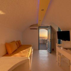 Отель Abyssanto Suites & Spa 4* Улучшенные апартаменты с различными типами кроватей фото 12