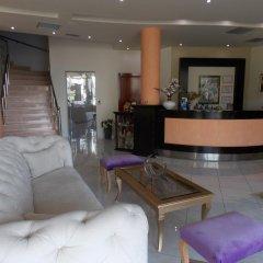 Hotel Oasis интерьер отеля