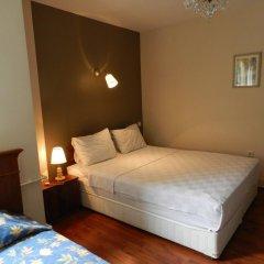Отель Berk Guesthouse - 'Grandma's House' 3* Стандартный семейный номер с двуспальной кроватью фото 19