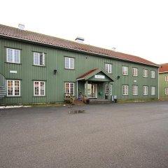 Airport Motel & Apartment Hostel парковка