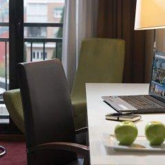 Отель Holiday Inn Madrid - Calle Alcala 4* Люкс с различными типами кроватей фото 6
