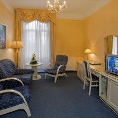 Отель Danubius Health Spa Resort Grandhotel Pacifik 4* Улучшенный номер с двуспальной кроватью фото 4