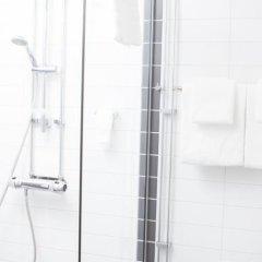 Отель First Hotel River C Швеция, Карлстад - отзывы, цены и фото номеров - забронировать отель First Hotel River C онлайн ванная