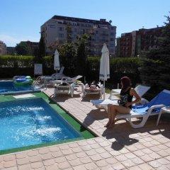 Отель Sunny House Apart Hotel Болгария, Солнечный берег - отзывы, цены и фото номеров - забронировать отель Sunny House Apart Hotel онлайн бассейн