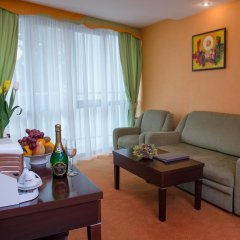 Adelfiya Hotel 2* Люкс с двуспальной кроватью фото 4