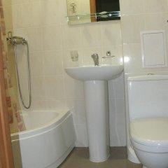 Гостиница One Eight Украина, Львов - отзывы, цены и фото номеров - забронировать гостиницу One Eight онлайн ванная