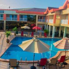 Отель Crismon Hotel Гана, Тема - отзывы, цены и фото номеров - забронировать отель Crismon Hotel онлайн бассейн фото 3