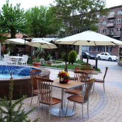 Отель Miami Suite Армения, Ереван - 1 отзыв об отеле, цены и фото номеров - забронировать отель Miami Suite онлайн бассейн фото 2