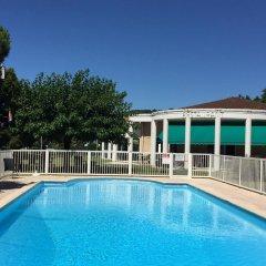Отель Kyriad Cahors бассейн фото 3