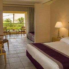Отель Jaz Makadi Star & Spa 5* Улучшенный семейный номер с двуспальной кроватью фото 4