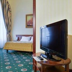 Гостиница Айвазовский Полулюкс с двуспальной кроватью