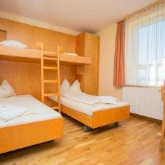 JUFA Hotel Salzburg 2* Стандартный семейный номер с двуспальной кроватью фото 6