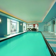 Отель Hilton Suites Chicago/Magnificent Mile бассейн фото 2