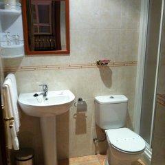 Отель Hostal Hotil Номер категории Эконом с различными типами кроватей фото 10